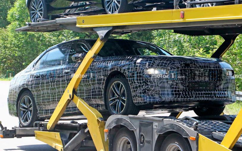 Новый BMW 7-Series впервые замечен на тестах