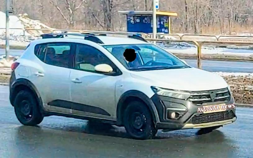 Новый Renault Sandero сфотографировали в России