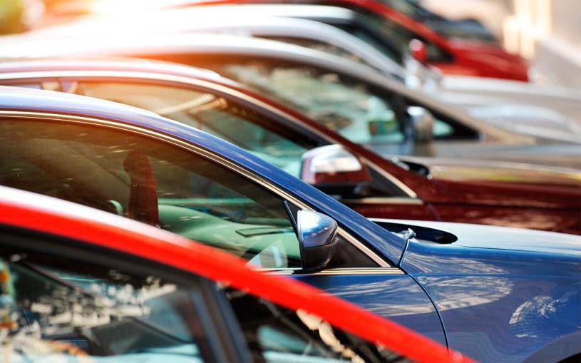 Продажи автомобилей в России в I квартале 2021 года ушли в минус