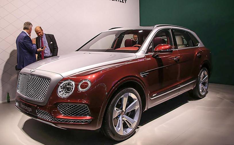 Гибридная Bentley Bentayga: 2,5 часа подзарядки и умная навигация