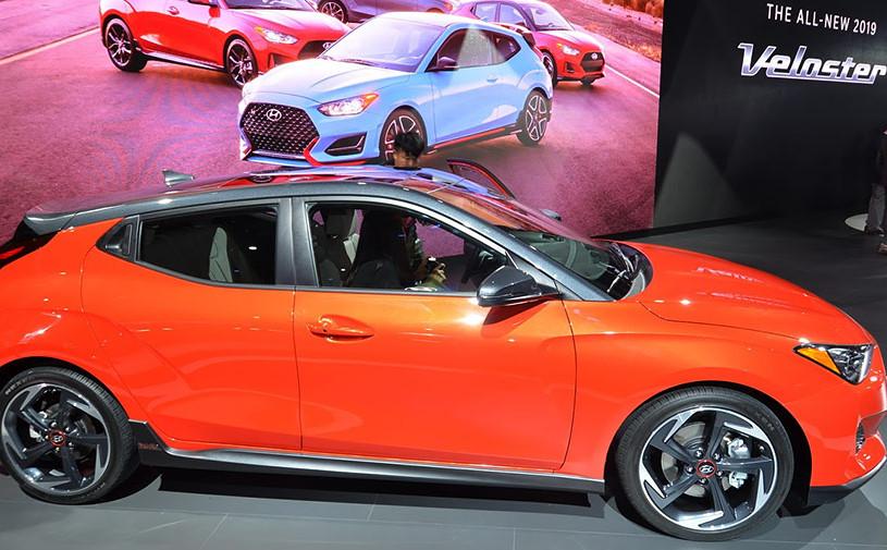 Hyundai показал асимметричный хэтчбек Veloster нового поколения