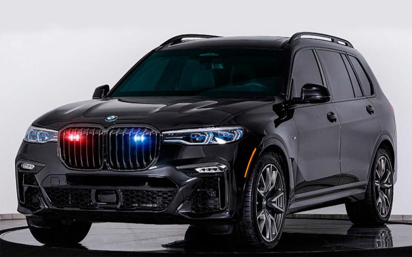 Кроссовер BMW X7 превратили в броневик. Видео