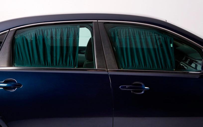 В ГИБДД рассказали о штрафных санкциях за автомобильные шторки и сетки
