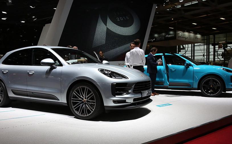 Porsche назвал российские цены на обновленный Macan