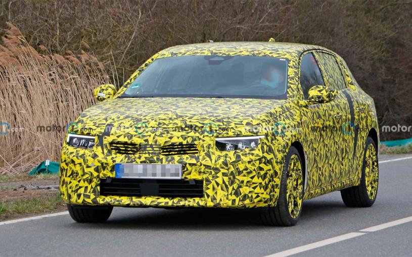 Opel Astra нового поколения впервые заметили на тестах. Фото