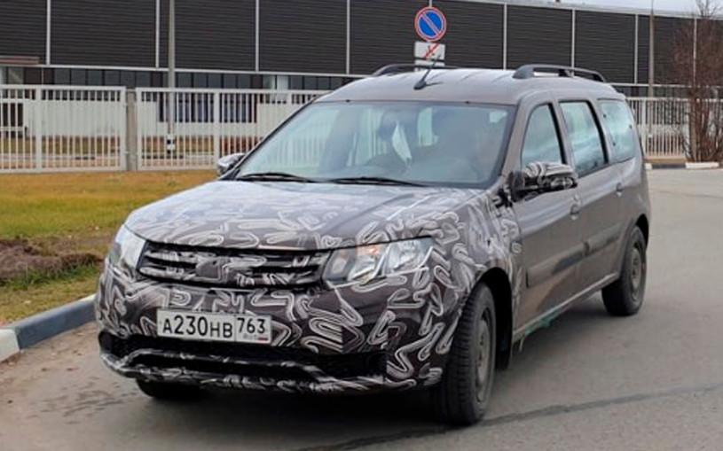 Появились фотографии обновленного Lada Largus в стиле Renault