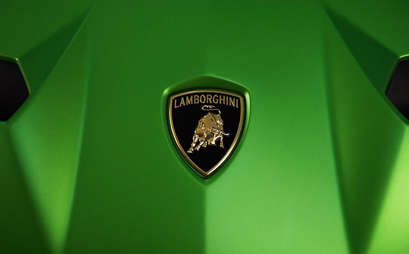 Lamborghini анонсировала премьеру сверхмощного Aventador SVJ