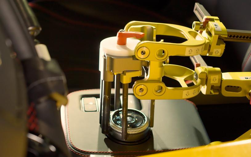 Новыми тест-пилотами Ford стали роботы Шелби и Майлз. Видео