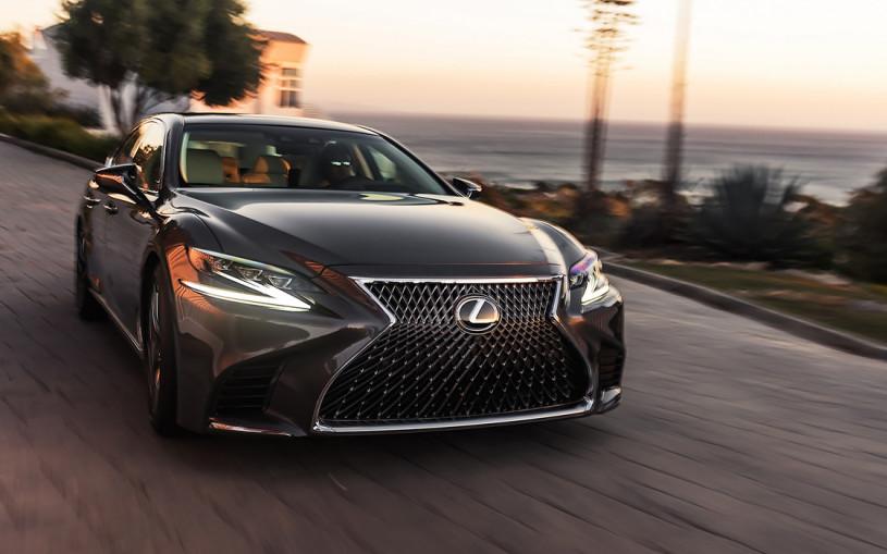 Lexus представил седан LS нового поколения