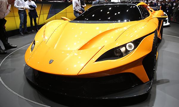 Компания Apollo привезла в Женеву 1000-сильный суперкар