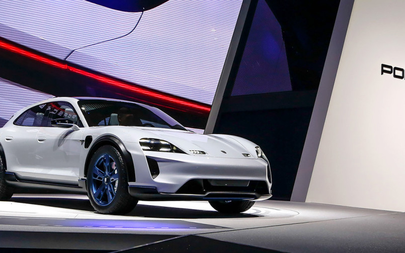 Porsche Mission E: как Panamera, только кроссовер