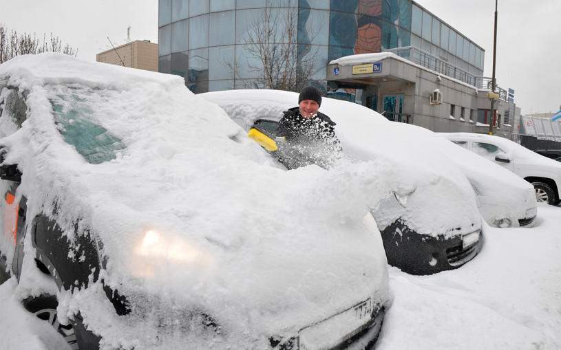 В России из-за снегопадов втрое вырос спрос на инструменты для машин