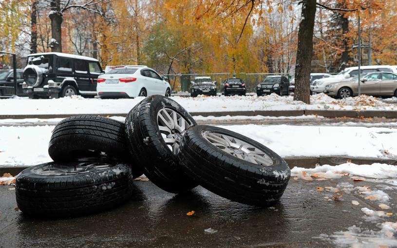 Московских водителей предупредили о «паре дней» для смены резины