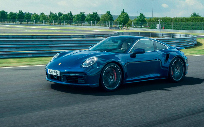 Porsche 911 Turbo стала мощнее и быстрее
