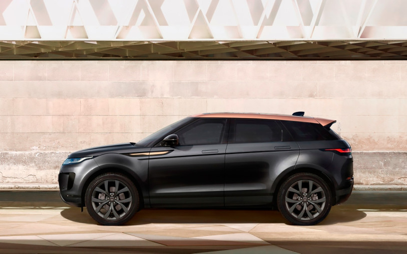 Land Rover назвал российские цены на спецверсии Evoque и Discovery Sport