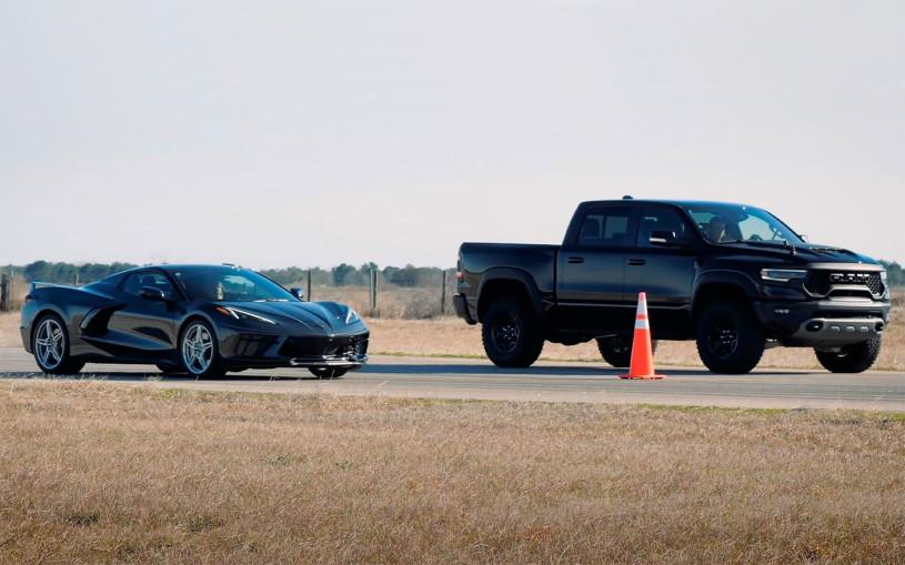 Гонку сверхмощного пикапа RAM и спорткара Corvette С8 показали на видео