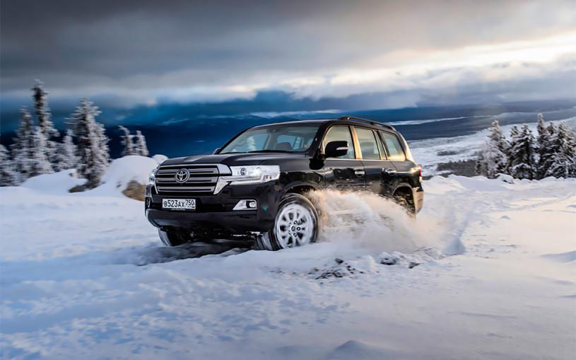 В России отзовут 82 тыс. машин Toyota и Lexus из-за риска возгорания