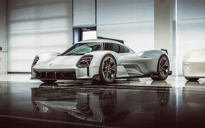 Porsche показала три секретных концепта