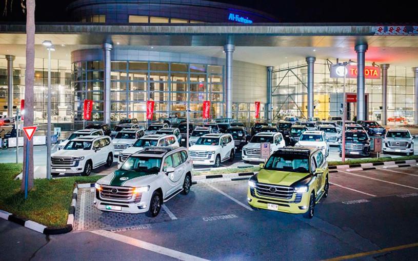 Новый Toyota Land Cruiser 300 пополнил автопарк полиции ОАЭ. Фото