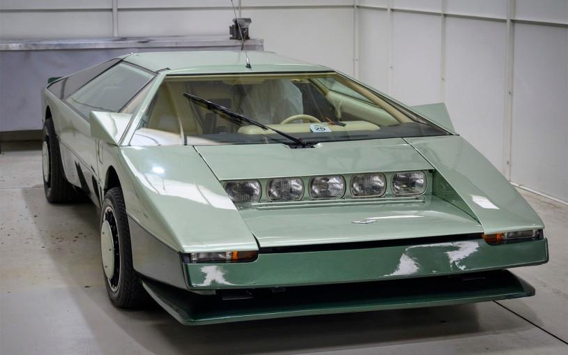 В Англии решили разогнать раритетный Aston Martin Bulldog до 320 км/ч