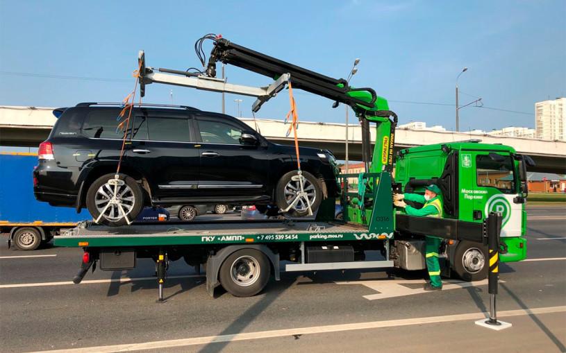 В Москве у водителя забрали Land Cruiser за штрафы на ₽370 тыс.