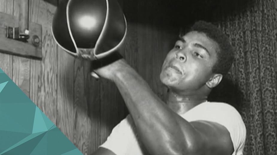 В США в возрасте 74 лет скончался легендарный боксёр Мохаммед Али