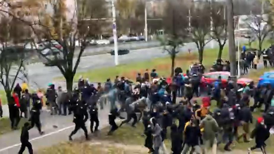 В Минске для разгона протестующих применили слезоточивый газ