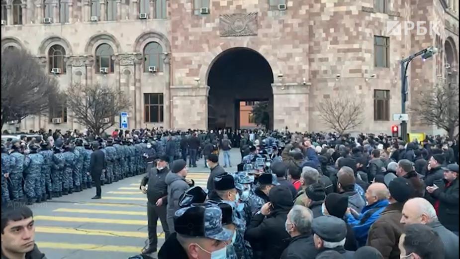 Премьер Армении снова предложил оппозиции реформу и перевыборы