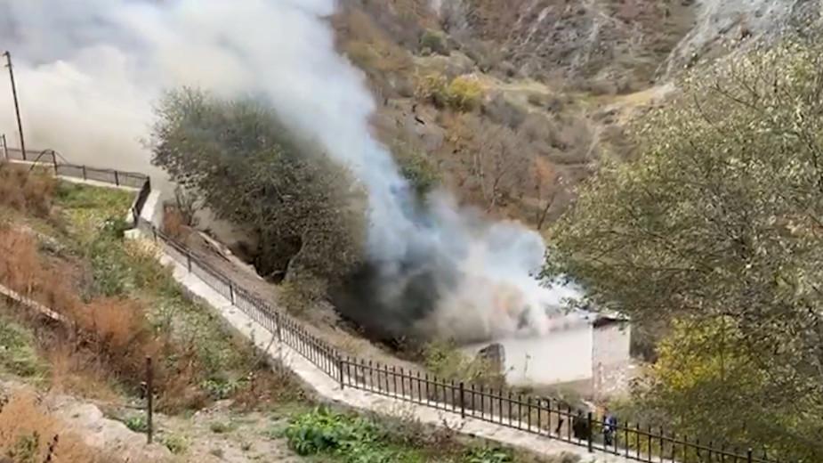 Миротворцы и жители, покидающие дома в Карабахе. Видео
