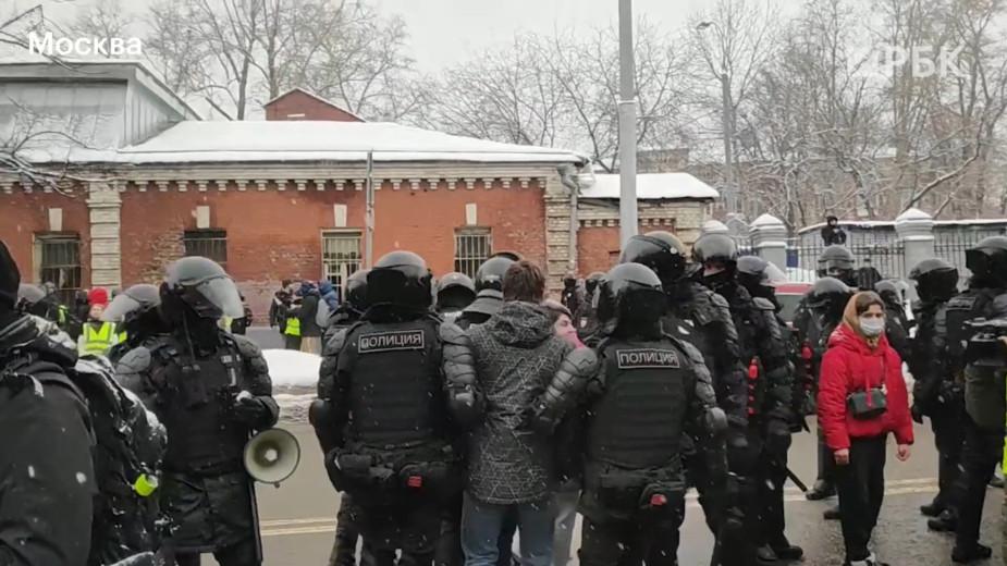 У «Матросской Тишины» начались задержания