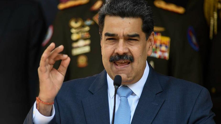 Мадуро привился от коронавируса «Спутником V»