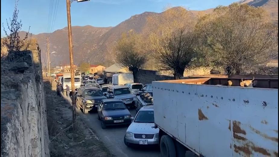 Последний день перед обменом территориями в Карабахе. Видео