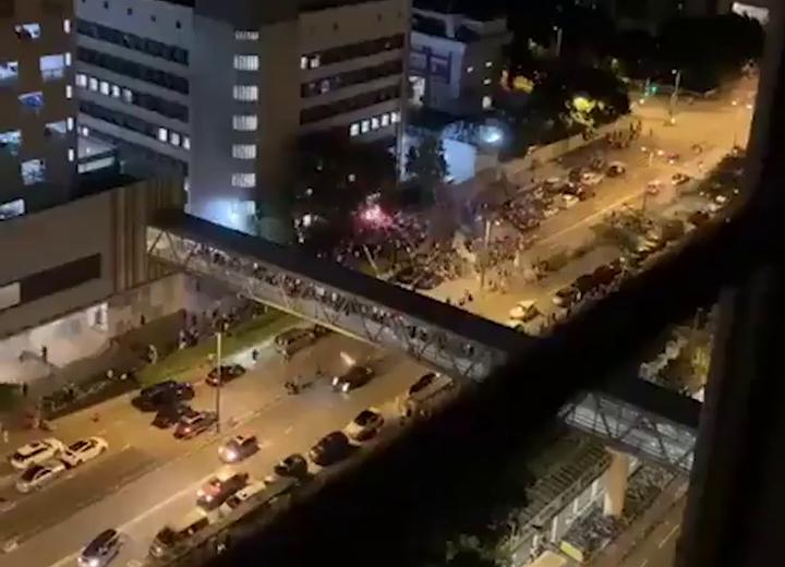 Видео: Hong Kong Free Press / YouTube