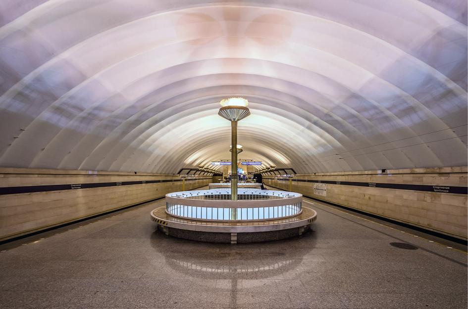 Станция «Спортивная» Петербургского метрополитена, верхний зал