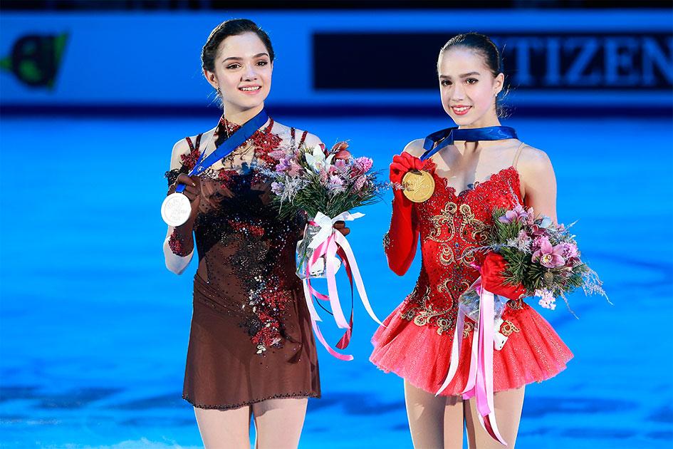 Евгения Медведева и Алина Загитова с медалями чемпионата Европы