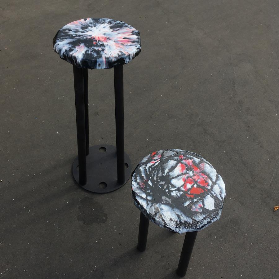 Барный стул с обивкой от Press Plastic