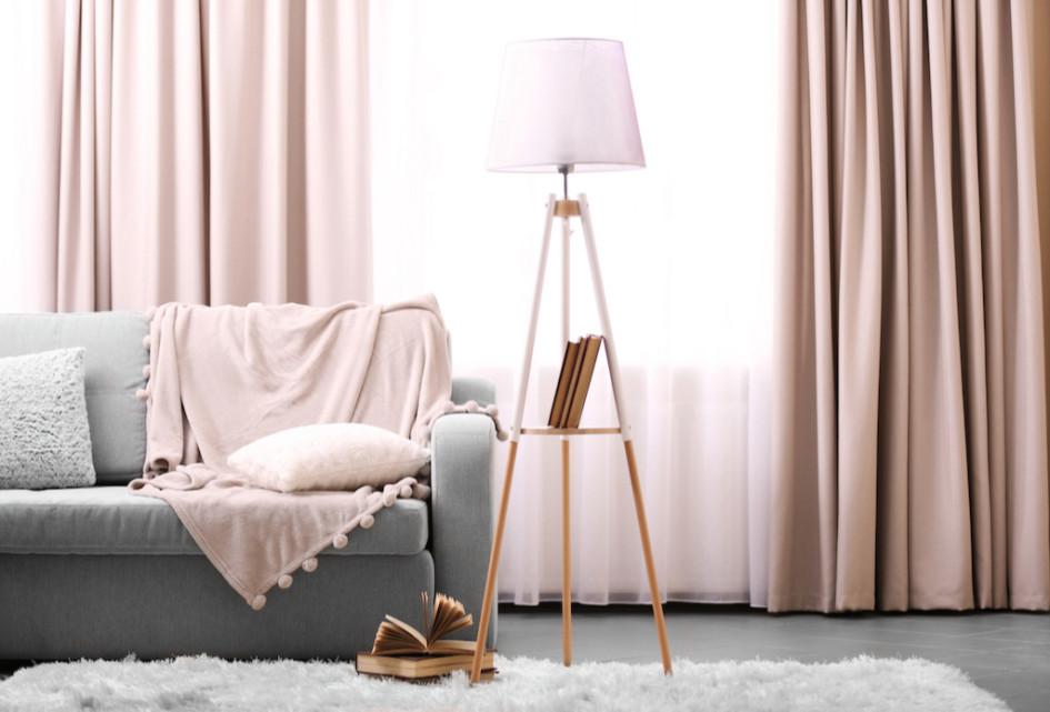 Купите новые шторы или лампу— и обстановка в квартире поменяется