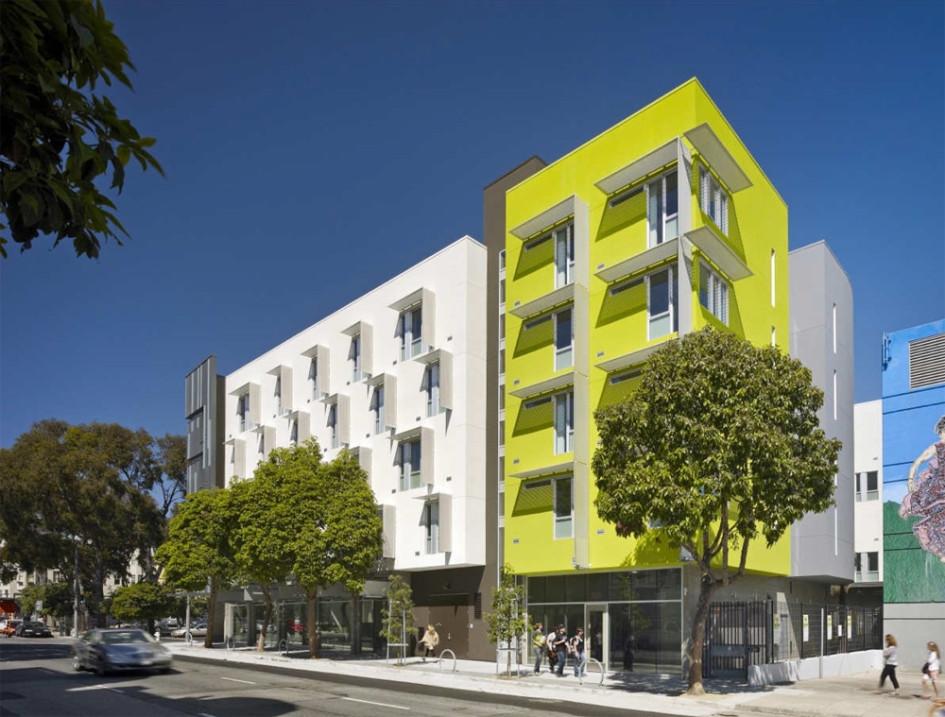 Первые этажи многоквартирных домов должны нести общественную нагрузку