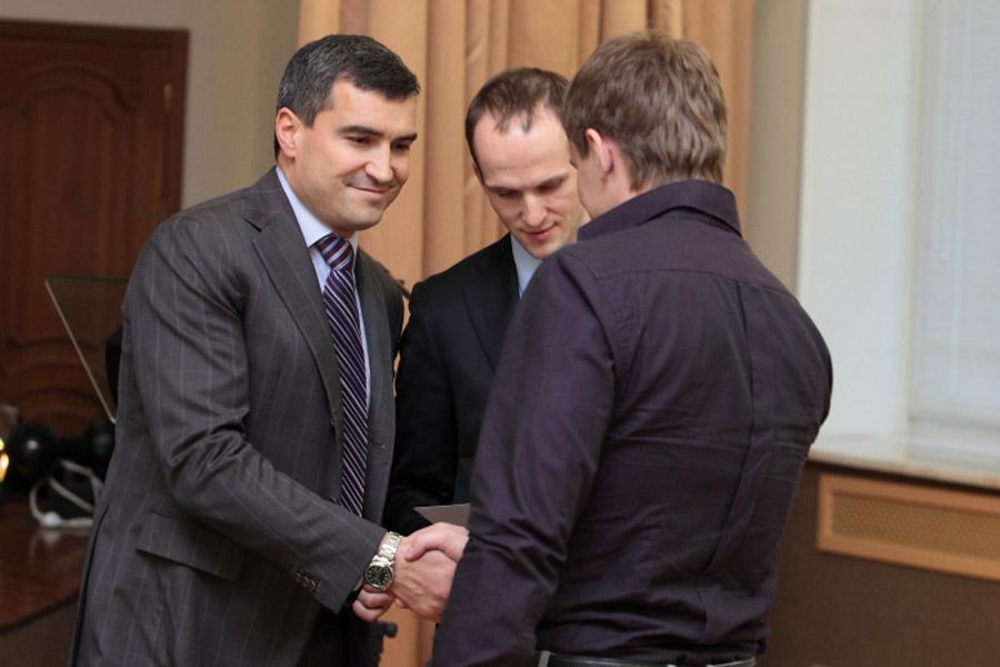 Владимир Карташян (слева)