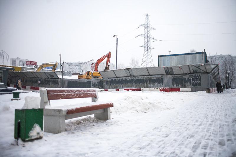 Стройка на месте сквера «Родничок», 15 декабря 2016 года