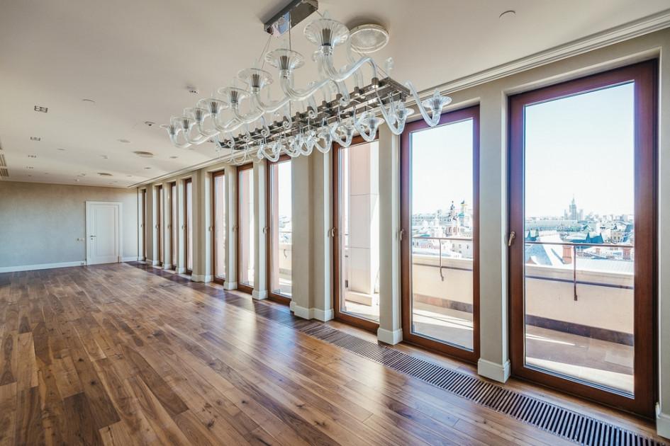 Апартаменты с видом на МосковскийКремль в Four Seasons Hotel Moscow