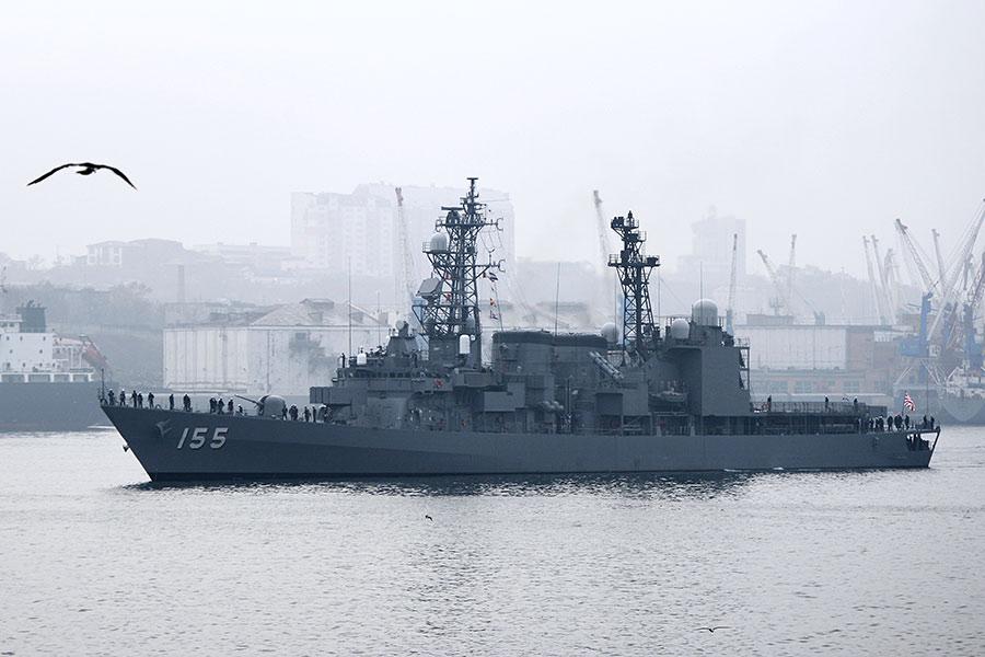 Эсминец «Хамагири» во Владивостоке. 2014 год
