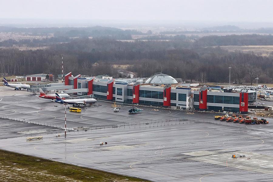Самолеты ваэропорту Храбровов Калининграде