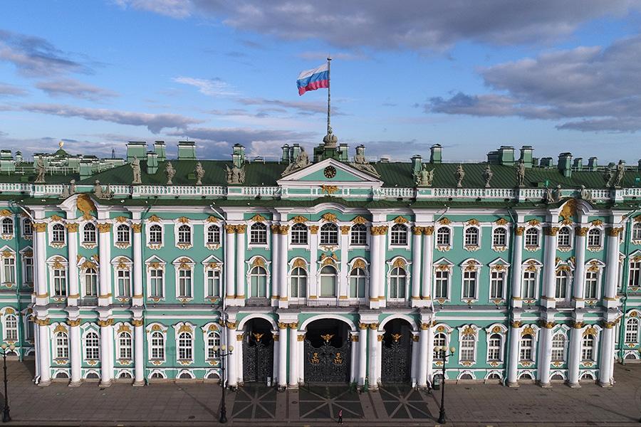 Вид на здание государственного Эрмитажа