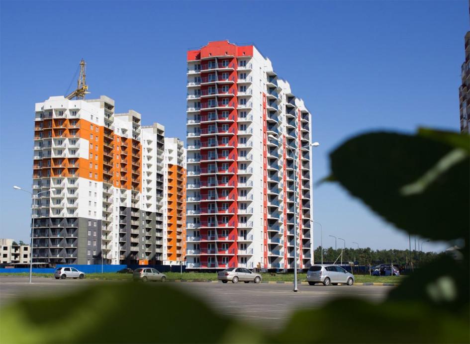 ЖК «Мой город» — еще один квартал с многоэтажными жилыми домами, где квартиры сдаются с отделкой. Ориентирован на молодежную аудиторию. У каждого дома и каждого блока квартир есть свой уникальный дизайн с узнаваемым выразительным фасадом