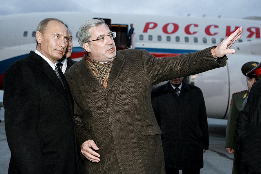 Владимир Путин и Виктор Толоконский (слева направо)