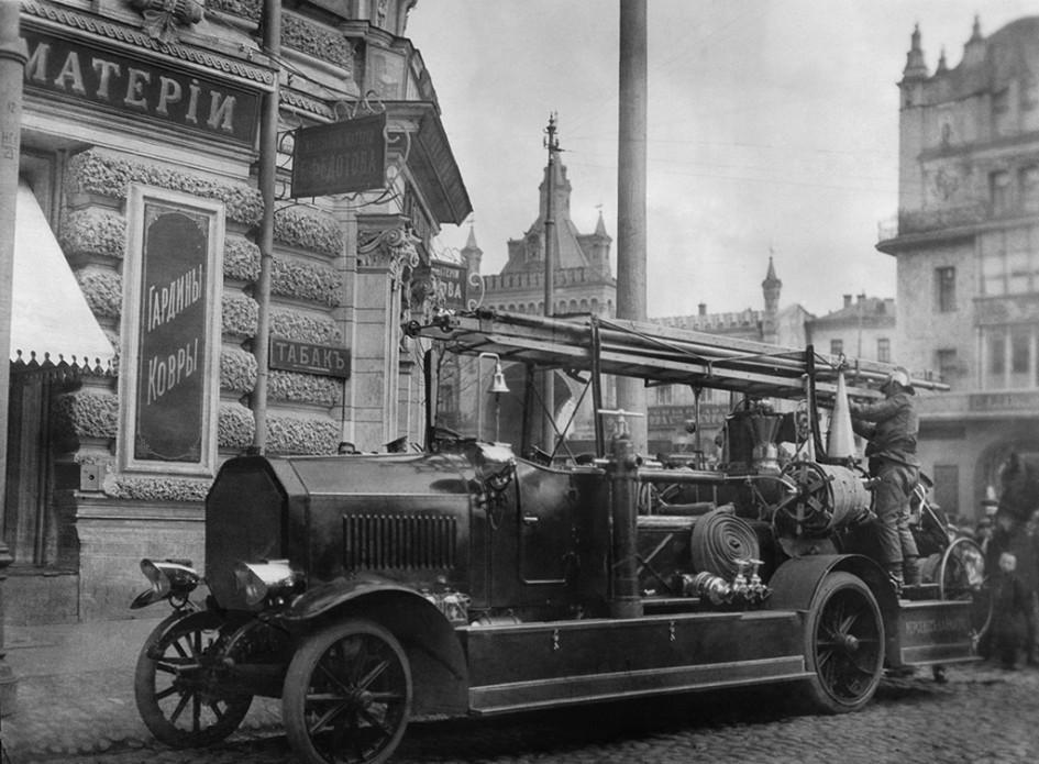 Пожарный автомобиль, 1910 год