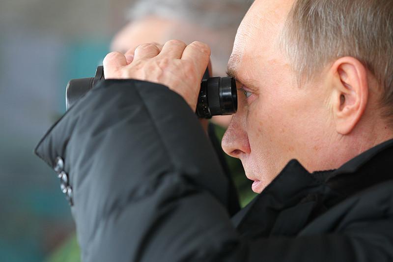 О возможном направлении наУкраину ядерного оружия Владимир Путин впервые заговорил вфеврале 2008 года. Аспустя семь месяцев озвучил аналогичную угрозу ив отношении Чехии иПольши