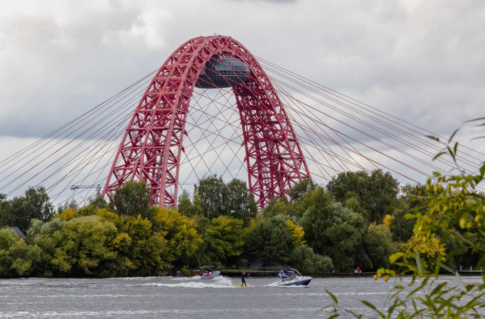 Живописный мост— один из символов Серебряного Бора