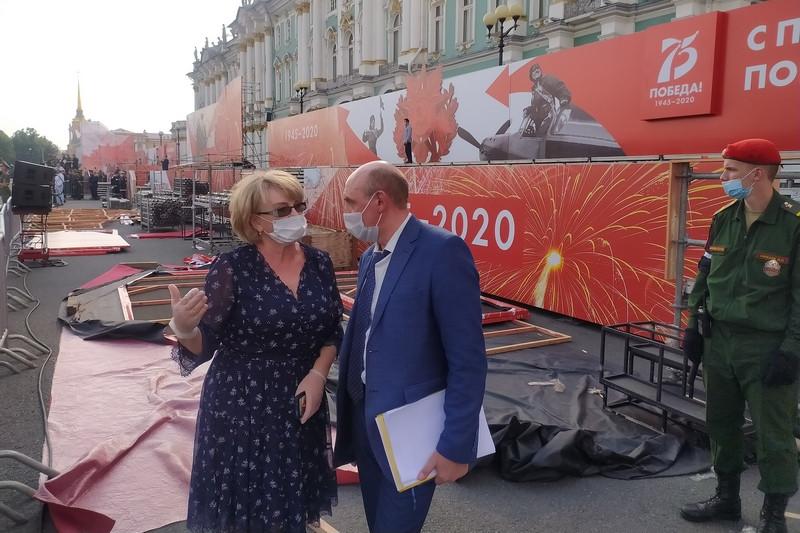 Глава комитета по вопросам законности, правопорядка и безопасности Смольного Ольга Аришина инспектирует подготовку к параду